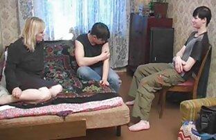 युवा लड़की उसे उसके साथ रहने देती है सेक्सी मूवी पिक्चर बीपी