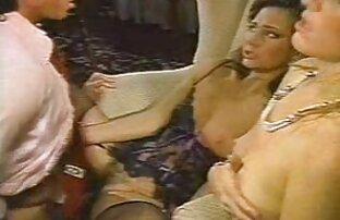 उसने बहन सेक्सी पिक्चर गुजराती मूवी के कमरे में एक कैमरा रखा और उसके हस्तमैथुन की तस्वीरें लीं