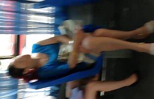 गोदने वीडियो में सेक्सी पिक्चर मूवी के लिए गंजा आदमी